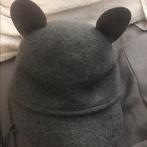 NWOT gray wool riding cap with cat ears